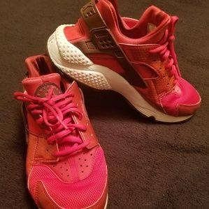 Ladies Nike Hurrachies